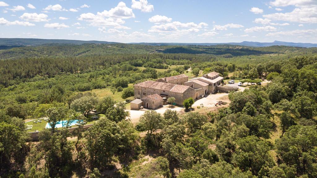 Les alentours de la propriété du Domaine de l'Astic en Ardèche