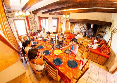 La salle à manger du gîte Le Figuier