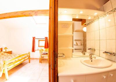 Chambre 2 personnes du Gîte Les 3 Eaux au Domaine de l'Astic en Ardèche
