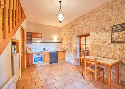La cuisine du gîte Le Palmier au Domaine de l'Astic en Ardèche