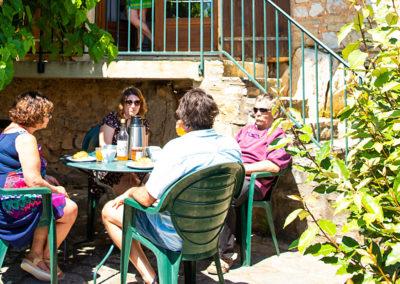 Terrasse du gîte Le Murier au Domaine de l'Astic en Ardèche